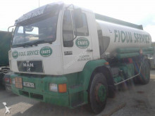 camion cisterna idrocarburi MAN
