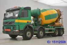 camion béton Volvo