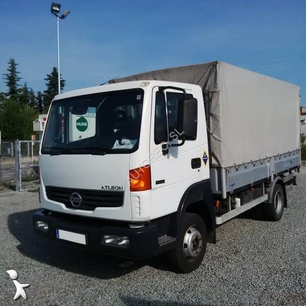 camion nissan cassone centinato atleon 4x2 gasolio euro 4 usato n 1633923. Black Bedroom Furniture Sets. Home Design Ideas