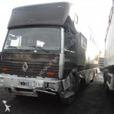 camion trasporto bovini incidentato
