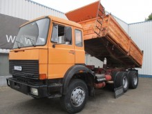 camion Iveco Magirus 256M26 FK, 6X4, Spring Susp., Tipper, V8