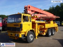 camión Renault Major 290.26 Putzmeister concrete pump 32 m