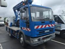 camion nacelle articulée télescopique Iveco