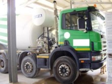 camión hormigón mezclador + bomba Scania