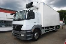 camion frigo porte viandes Mercedes