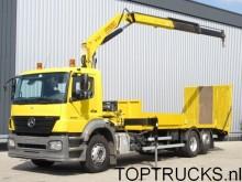 camión Mercedes Axor 2533 RAMP + FASSI CRANE + WHINCH