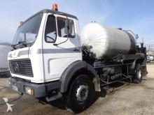 camión cisterna de alquitrán Mercedes