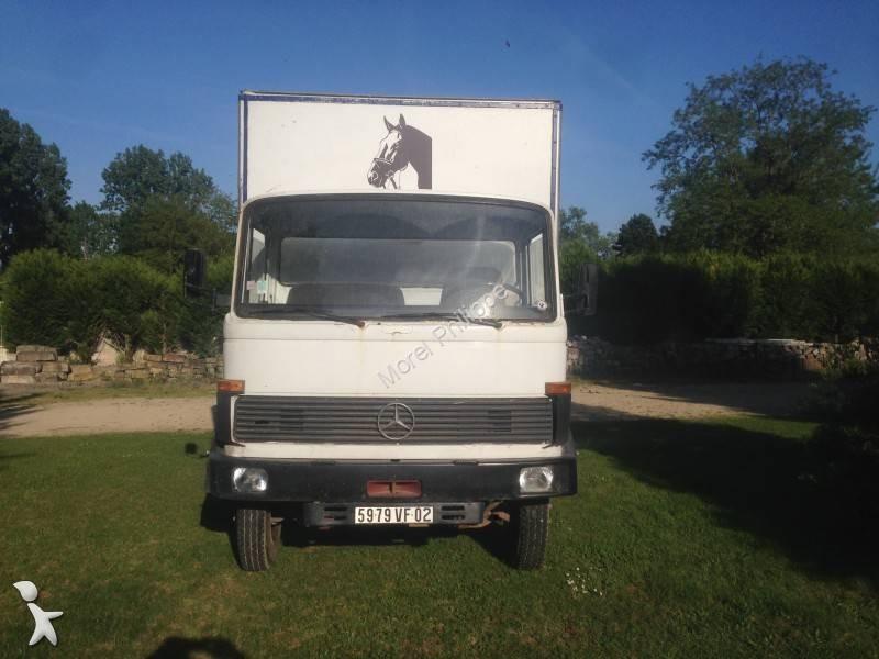 camion mercedes van chevaux 709 4x2 gazoil occasion n. Black Bedroom Furniture Sets. Home Design Ideas