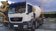 camion MAN 32.364
