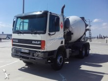 camion DAF FAT 75 CF 320