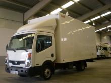 camión furgón mudanza Nissan