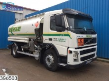 camión Volvo FM9 260 Manual, 13390 Liter fuel 6 Compartments,