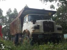 camión MAN DUMPER / VOLQUETE MAN 22230 6X4 1971