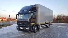 ciężarówka burtoplandeka Iveco