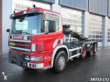 camión Scania P 124.400 8X2 Euro 2 Manual