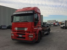camion portacontainers usato