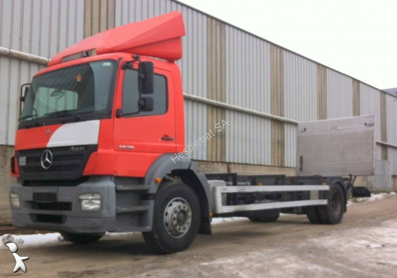 used mercedes axor chassis truck 1926 4x2 diesel euro 3 rear hatch n 1868947. Black Bedroom Furniture Sets. Home Design Ideas