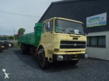camion plateau ridelles Iveco