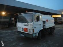 camion cisterna idrocarburi Renault