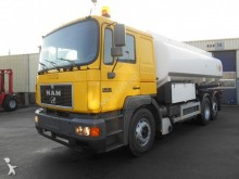 camión MAN 26.403 Fuel Tank Truck 19.400L 6x2 Top Condition
