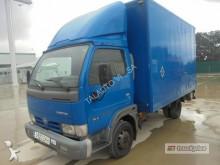 camión furgón Nissan