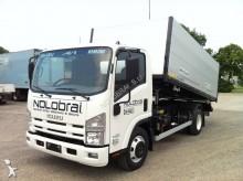 camión volquete Isuzu