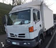 camión isotérmica Nissan