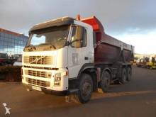 camión volquete escollera Volvo