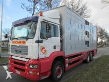 camion trasporto bestiame MAN