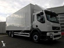 camion Volvo FE320 6X2 CLOSED BOX
