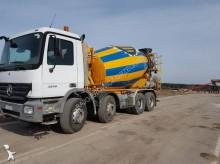 camión hormigón cuba / Mezclador Mercedes