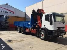 camión caja abierta transporte de bebidas Iveco