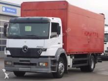 camion piattaforma trasporto bibite Mercedes