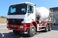 camión Mercedes Actros 3336