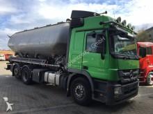 camión Mercedes Actros 2644 L 6x2 Euro5 Silo Feldbinder 31.000 L