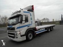 camion piattaforma trasporto paglia Volvo