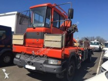 camión caja abierta transportador de hierro Renault
