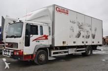 camión Volvo FL615 250