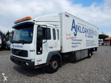 camión Volvo FL220