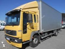 camión furgón mudanza Volvo