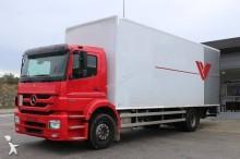 camion fourgon déménagement Mercedes