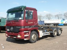 camion Mercedes Actros 2543 6x2 HUBREDUCTION