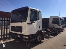 camion MAN TGL 10.210
