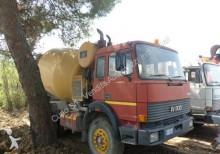Iveco 330.30 betoniera 3 unità