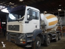 camión MAN 35.390 8x4 Mischer