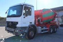 camion calcestruzzo pompa per calcestruzzo Mercedes