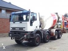 camión Iveco Cursor 380 8x4 / Liebherr 9m³