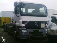 camion portacontainers Mercedes