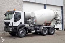 camion Iveco Trakker AD380T38H (4 units)