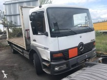 camion plateau porte gaz Mercedes